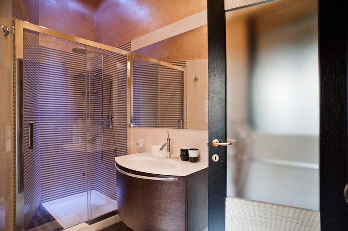 23 Bathroom Shower 2