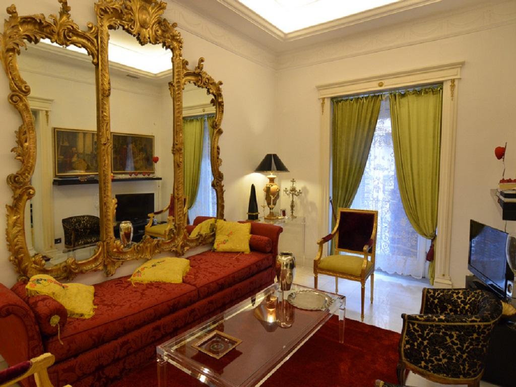 8 Lounge - Sofa Bed